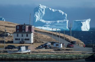 Impresionante iceberg apareció en las costas de Canadá